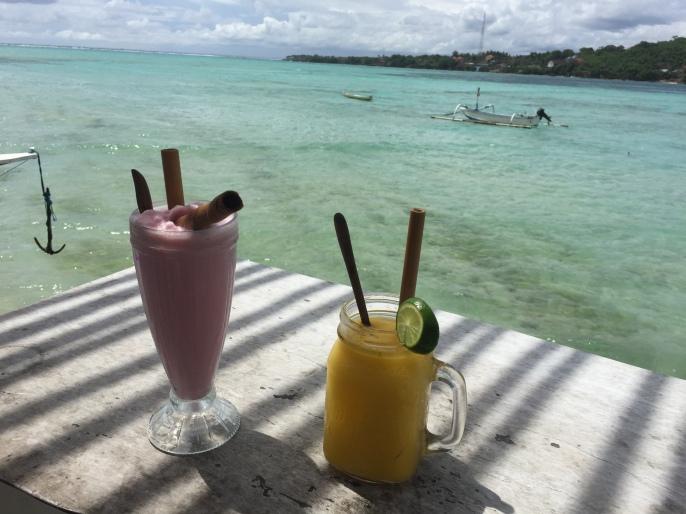 Cocktails op Nusa Ceningan